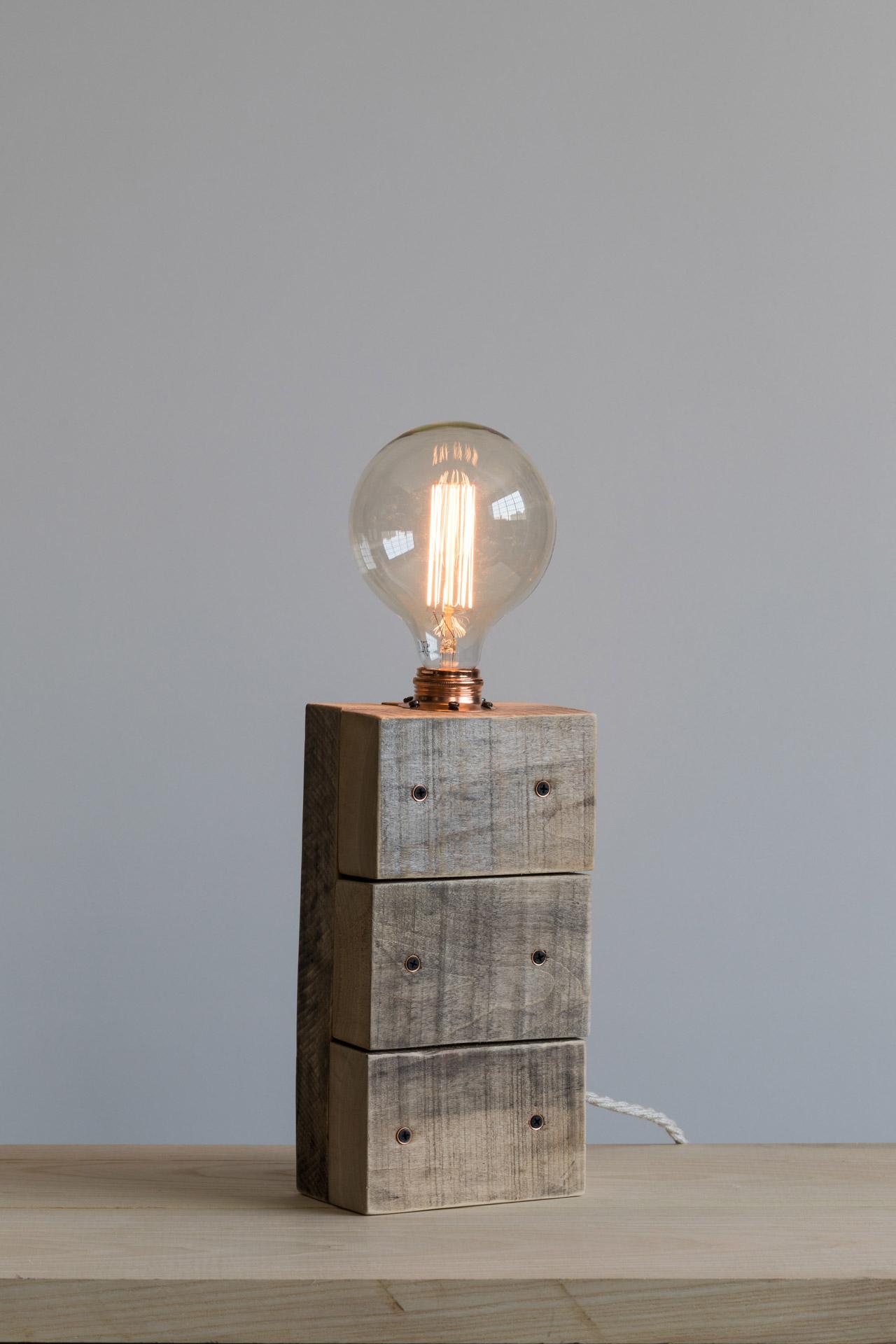 Lampada da tavolo Parallelepipedo illuminato, legno e rame 220v E27